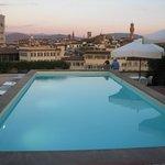 Terraza con piscina y GRAN vista de la ciudad