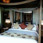 Room of hillside pool villa seaview