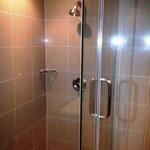 douche eau bien chaude à tous moments