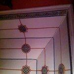 Ceiling detail in Mandarin-Anis room