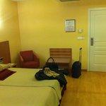 habitacion amplia y renovada
