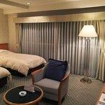 広々とした客室(ツインルーム)は改装済み。