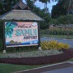 Man hälsades välkommen när man landade in på Koh Samui.