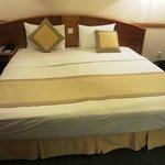 ツインは満室だと言われキングサイズのベッドでした