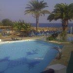 espace piscine- vue mer