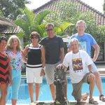 samen met de eigenaars op de foto Leen & Dirk