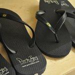 capricho nos detalhes! sandálias personalizadas.