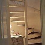 escaliers allant à la salle de bain