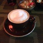 Cappuccino met lekkere versnaperingen