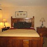 Large, comfy king bed
