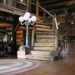 Log Staircase to Jeffersom Island Suite