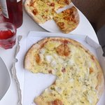 cheese & onoin pizza & curry pizza