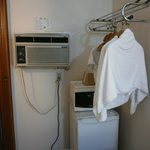 Microwave and hanger