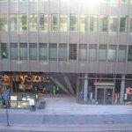 Immeuble faisant face à l'hôtel Mélia