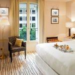 Chambre Hôtel Montaigne Paris 2