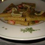paccheri con crema di basilico e calamari