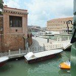 Вид из номера на Rio de la Croce, Fondamenta Croce и Гранд-канал