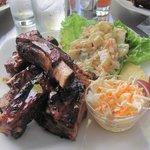 Full platter of BBQ ribs - COP$ 29,000