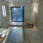 bathroom 206