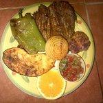 Nuestro plato estrella: Parrillada de aavestruz al estilo Monte Verde