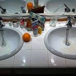 l'eau jaune dans les robinets...