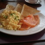 Main Scrambled Eggs on Toast with Smoked Salmon