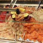 Selezione di pesce e verdure fresche. Da sempre il tutto preparato alla griglia con sale,pepe e