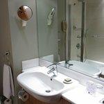 deluxe bathroom - small