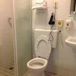 bagno con phon a parete