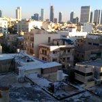 Местный колорит: крыши, трущобы и небоскребы