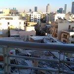 Крыши Тель-Авива: вид из одноместного номера отеля Савой на 6-ом этаже