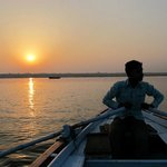 Enjoy the Ganges in the morning by paddle boat
