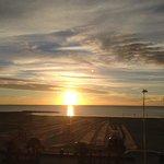 Vue de la chambre au lever du soleil