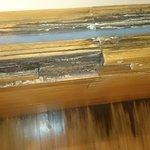 rotton mouldy bath and floor!