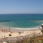 Вид с балкона номера на море и пляж