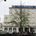 bologna hotel di fronte alla stazione treni con parcheggio