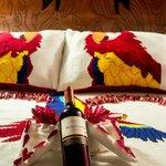 Suite con botella de vino