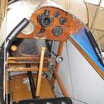 Le cockpit minimaliste du Curtiss