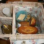 Panier déjeuner servi directement jusqu'à la roulotte
