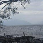 Vista do lago próximo da caverna