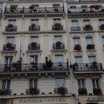 fachada  dos  vizinhos  do  hotel