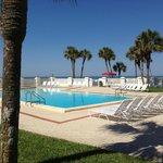 El Matador Gulf Front pool