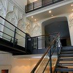 Парадная лестница дворца Сайн