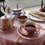 notre tea time avec galette et super chocolat...