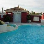 Chambre Magali au bord de la piscine