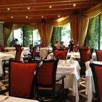Hotellets restaurant hvor også frukost serveres
