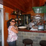 no salão de café, um barzinho