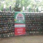 muro con eco-ladrillos