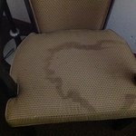 can you believe this nasty chair was actually in the room?!