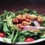 House salad with smoked tomato Vinaigrette